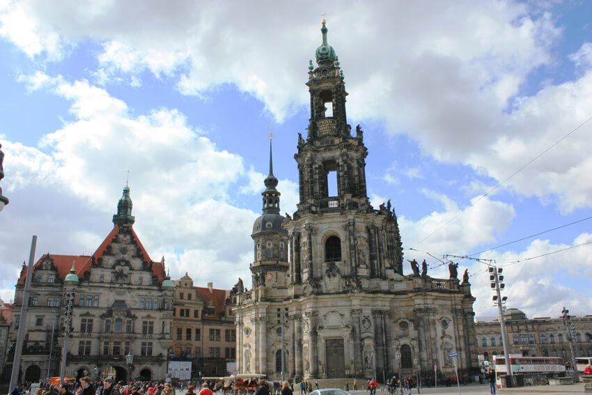 三位一体大聖堂 <Katolische Hofkirche>