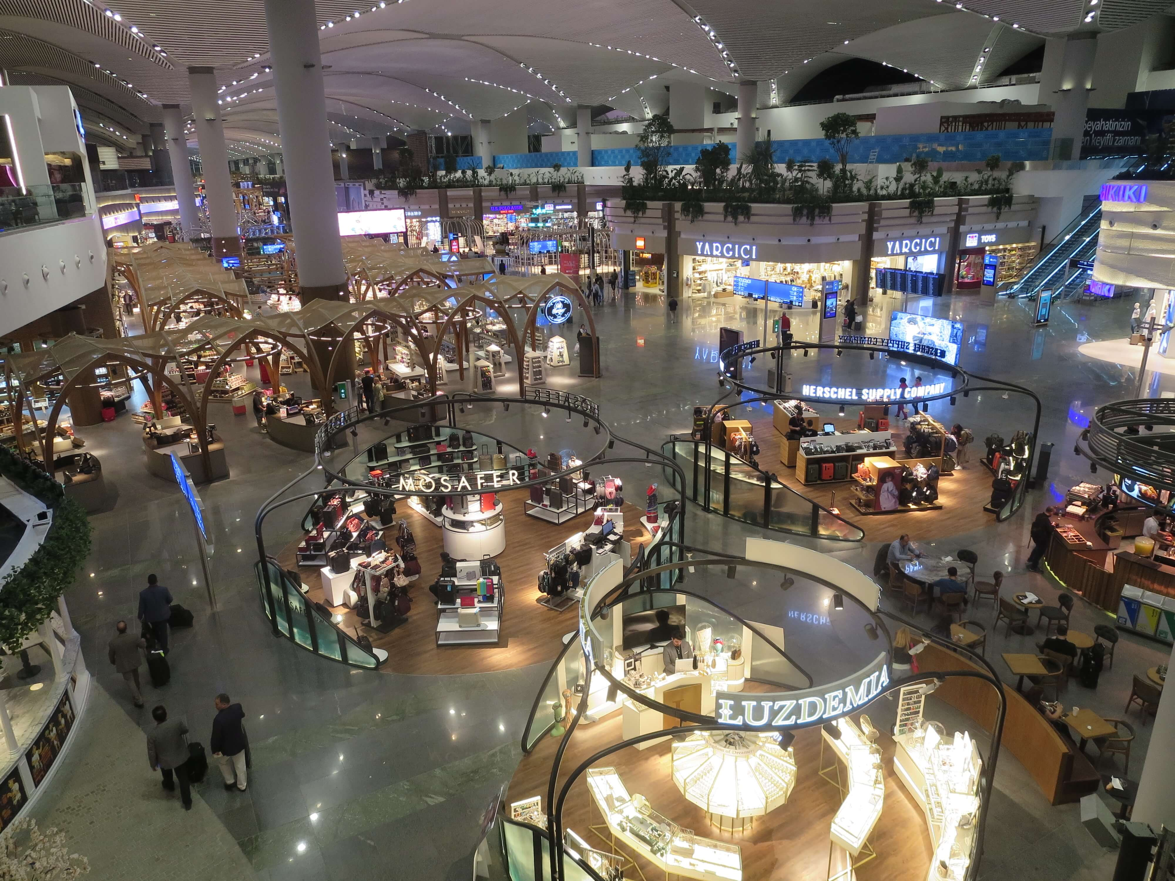 イスタンブール空港2階からの眺め