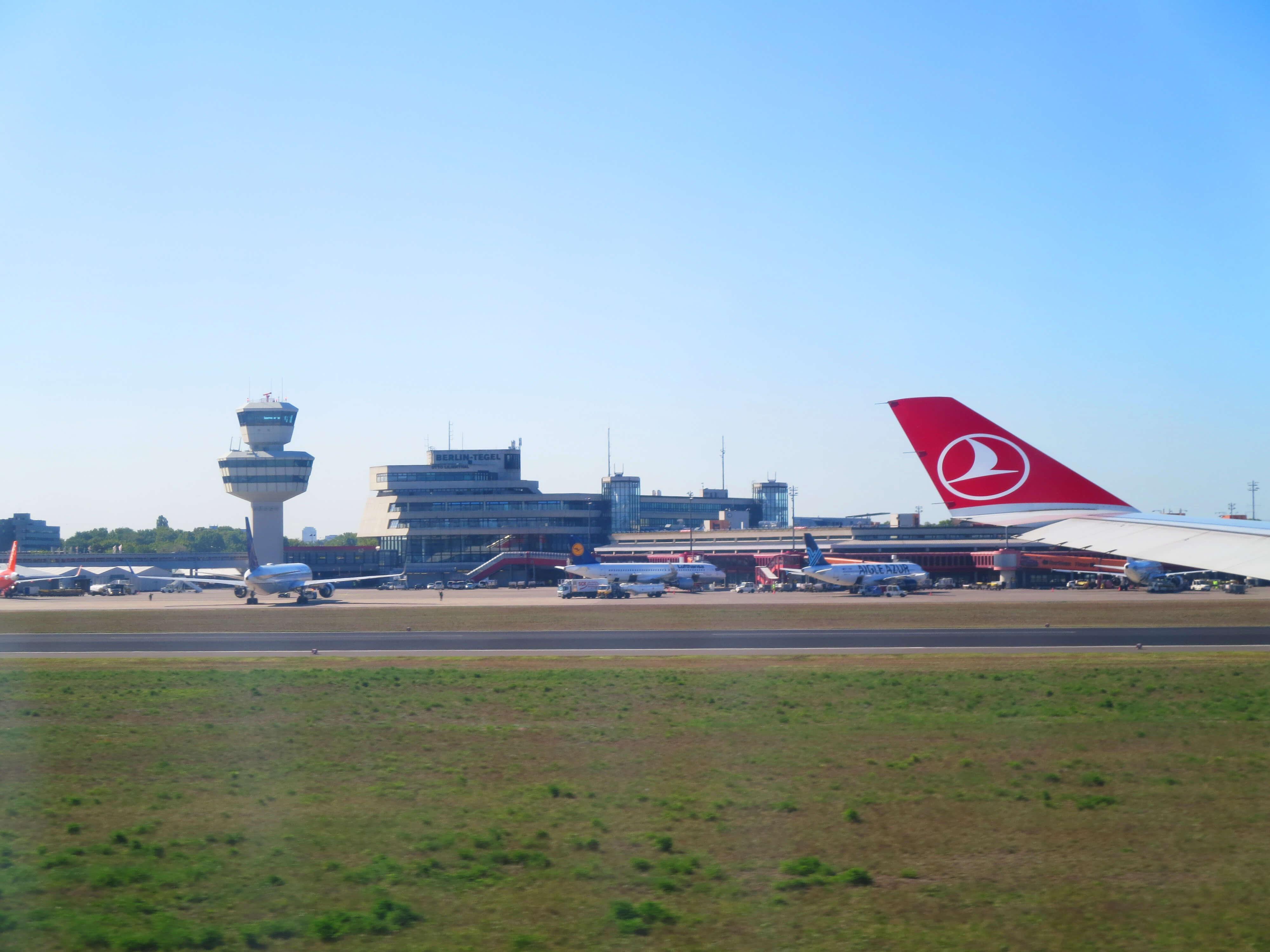 トルコ航空TK1721ベルリンテーゲル空港に到着