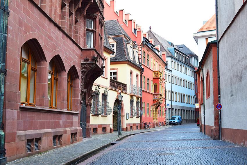 Freiburg-Haus-zum-Walfisch