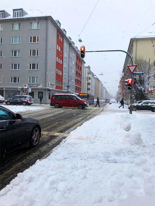 ミュンヘン路上に積もった雪